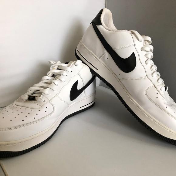 le scarpe nike air force 1 basso whiteblack mens dimensioni 15 poshmark